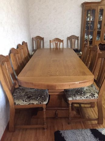 Продам комплект мебели:стенка, стол и стулья