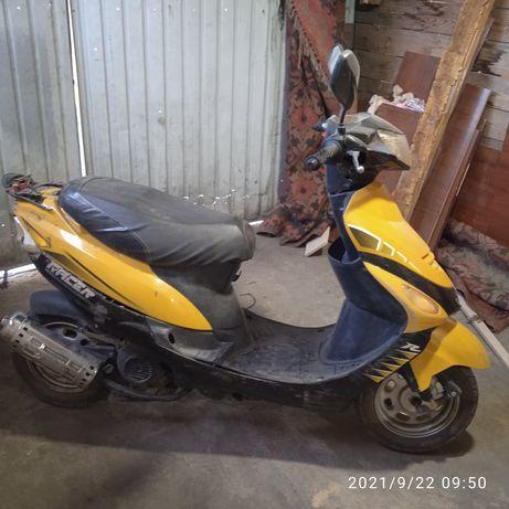 Продам скутер 50 кубовый на ходу