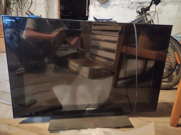 Телевизор Sony BRAVIA требует ремонта, припереключен глючит