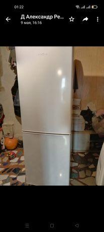 Холодильник большой Новый