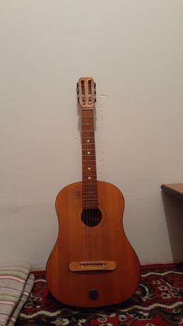 Продается гитара советский