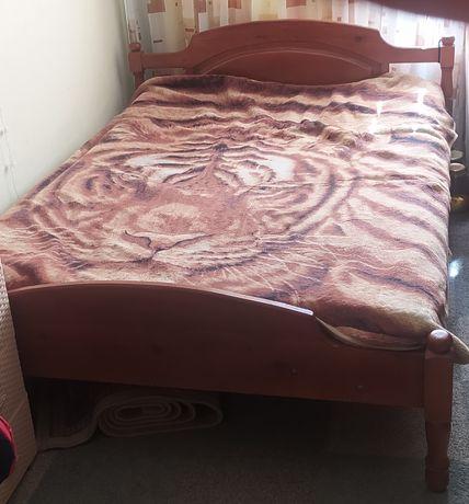 Продам кровать из дерева