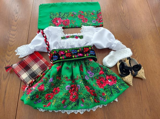 Costume populare copii fete de maramures