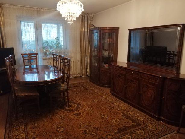 Стенка, сервант и стол со стульями в гостиную, Италия.
