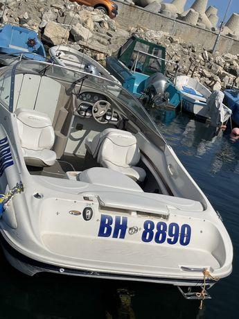 Яхта Bayliner Capri