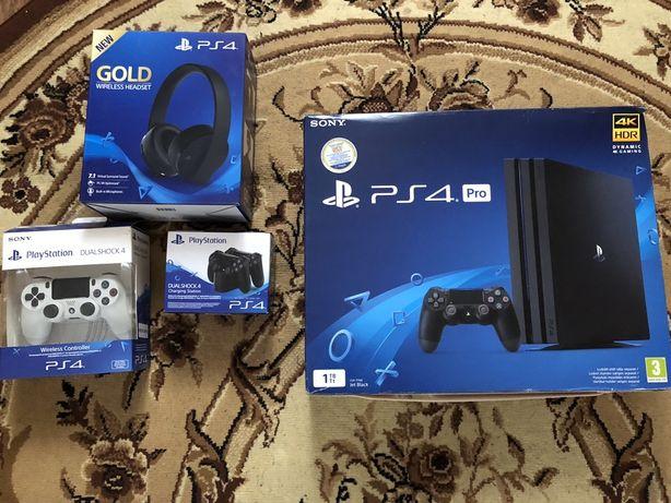 Продам Playstation 4 PRO 1 Tb