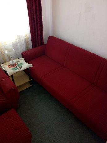 Разтегателен диван с два фотьойла и две табуретки