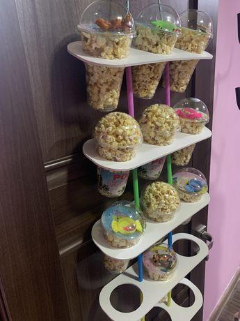 Подставка стаканов для сахарной ваты ,попкорна и тд