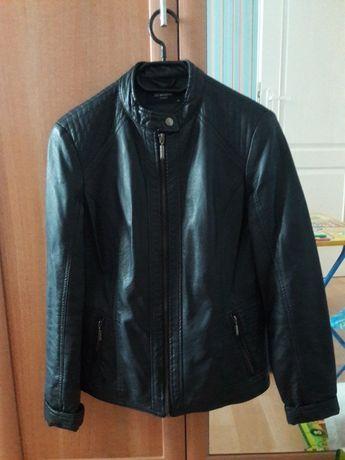 Продам женскую кожаную куртку. LC WAIKIKI .Размер 40(L)