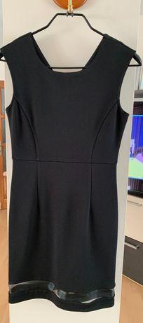 Малка черна рокля