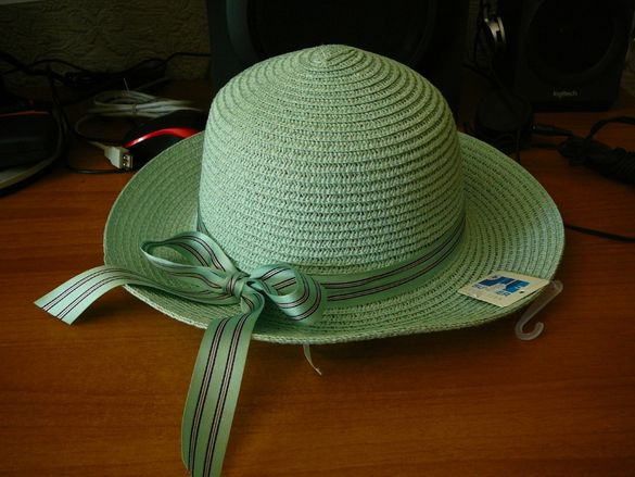 Лятна дамска шапка