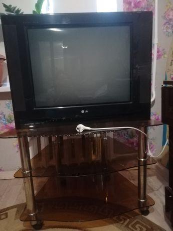 Продам телевизор и тумбочка