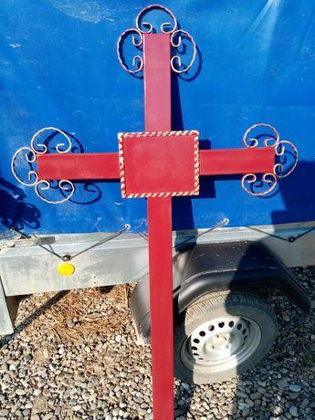 Cruci metalice pentru morminte