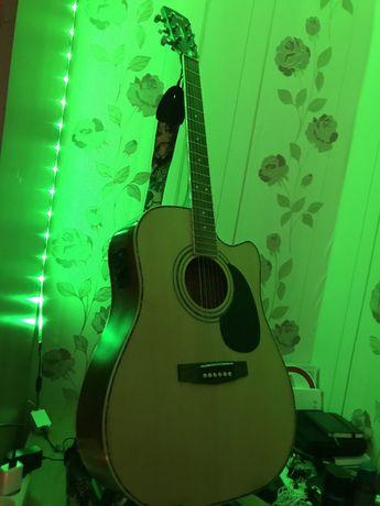 Продаю электро акустическую гитару Cort