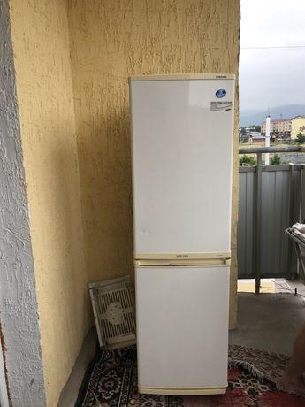 Продам холодильник samsung