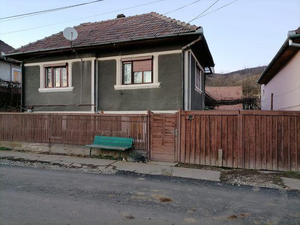 Casa  4 camere si gradina