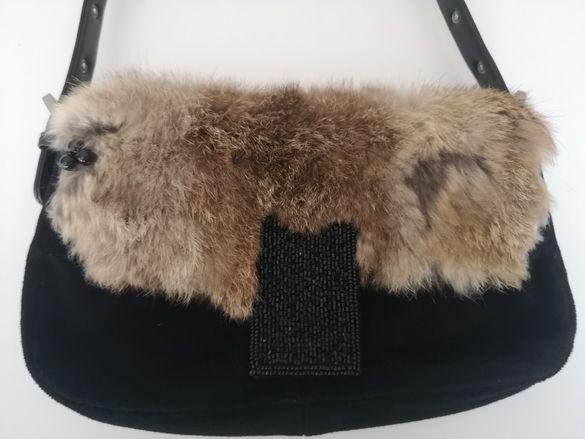 Малка дамска чанта от плат и капак с козина Bebe.