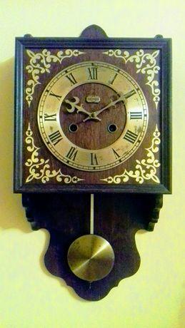 Стенен часовник Metron
