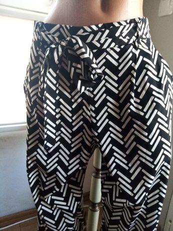 Стилен панталон Zara с коланче