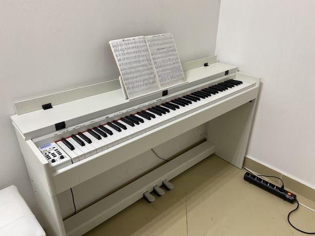Срочно! Цифровое пианино!