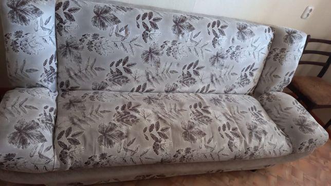 Продам диван. Срочно