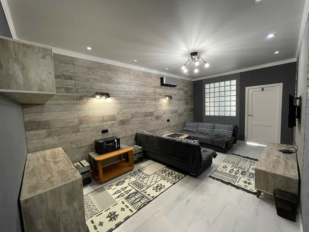 Новая 2-комнатная квартира посуточно в Алматы: Сейфуллина - Курмангазы