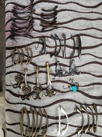 Продавам Обков дръжки и закачалки