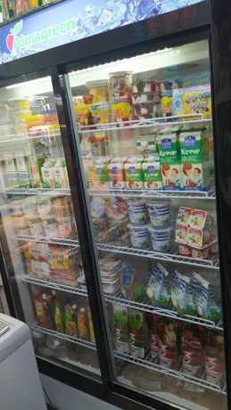 Холодильный шкаф,купе,витрина.
