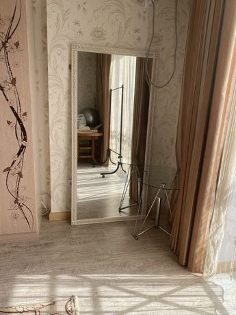 Зеркало на стенное