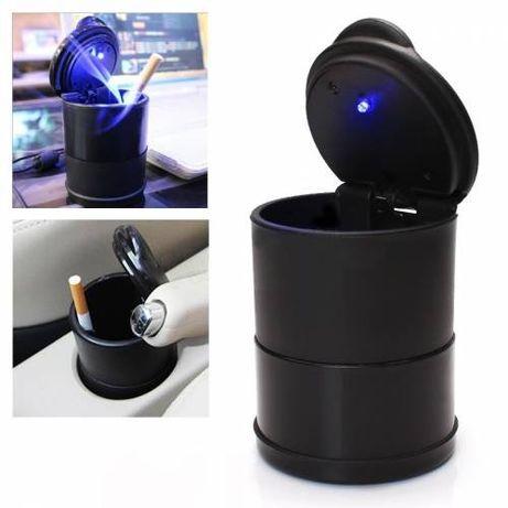 Scrumiera auto iluminata, LED albastru, cu capac, baterie inclusa
