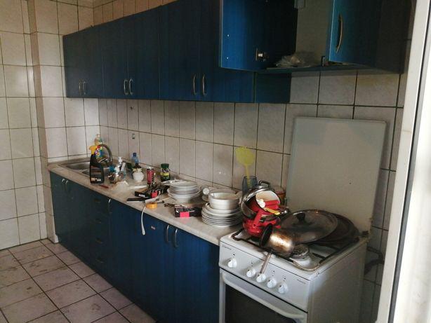 Mobila bucătărie plus aragaz