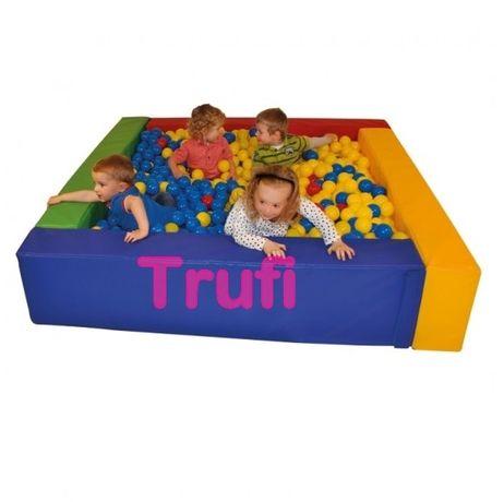 Piscina cu bile loc joaca copii, orice dimensiuni, diverse culori