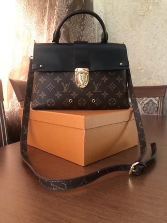 Продам сумочку LV