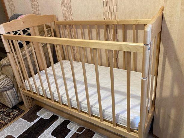 Детская деревянная кроватка+бортики+матрасик+подушка+наматрасник