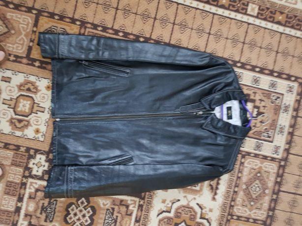 Кожаная куртка . Куплена в Турции.
