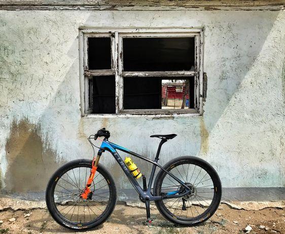 Продаю карбоновый велосипед CUBE REACTION