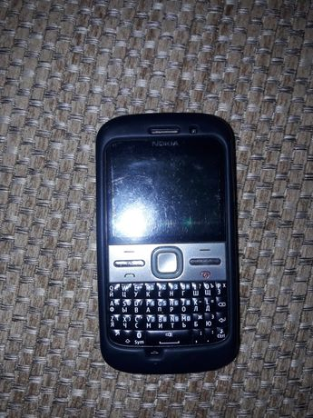 Телефон Нокиа Е5-00
