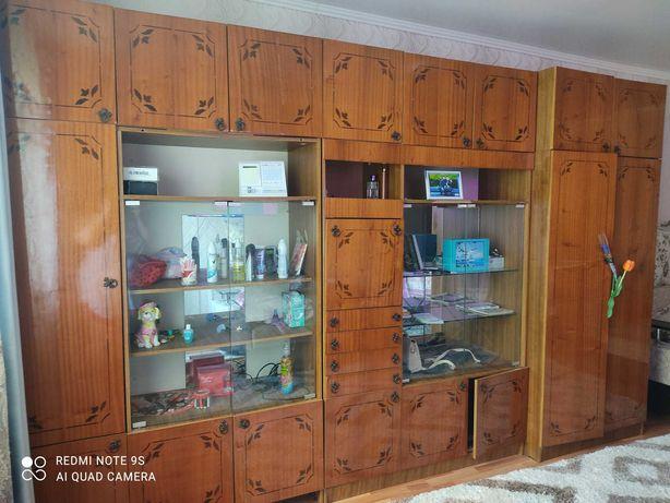 Продам Шкаф-стенка в хорошем состоянии