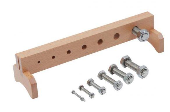 Всички Монтесори материали - метални гайки с болтове на дървена стойка