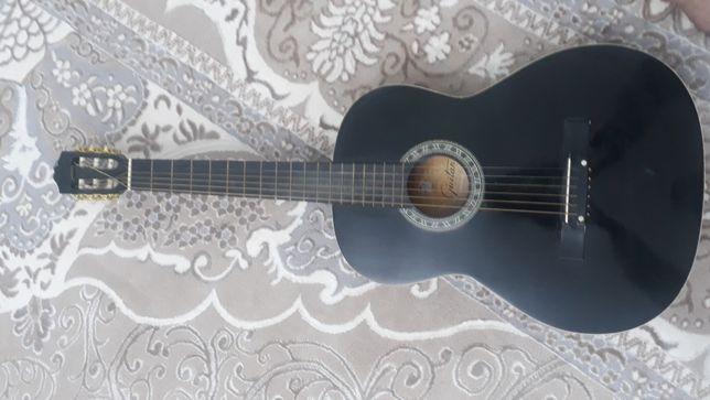 Продам гитару б.у