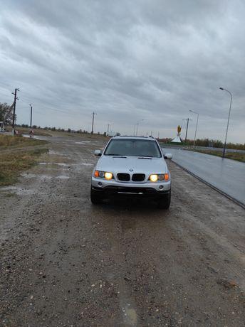 Продам BMW X5 e53 в хорошем состоянии