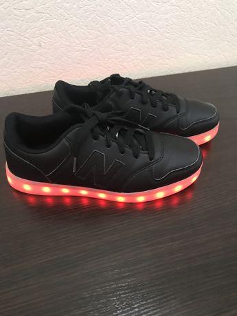Кроссовки со светодиодной подошвой