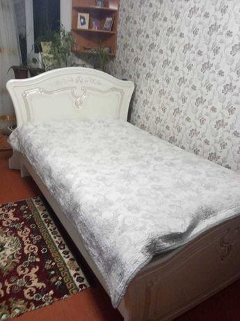Продаётся хорошая кровать.