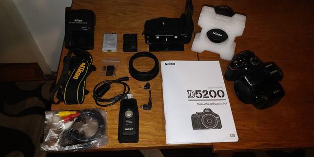 Cameră foto profesionistă DSLR NIKON D5200 (stare impecabilă)