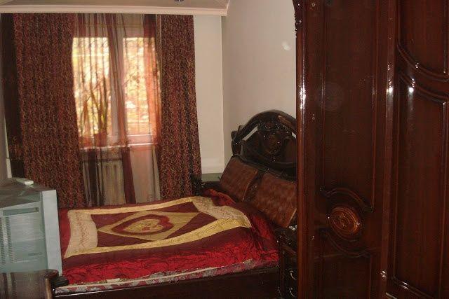 Сдам однокомнатную квартиру на Абая Алтынсарина,  по часам,  1000 тенг