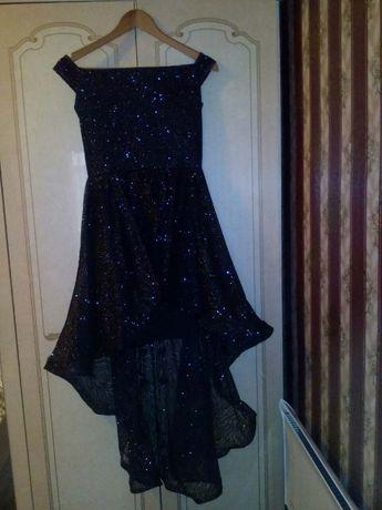 Продавам официална рокля, размер S