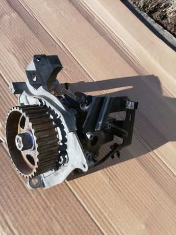 помпа горивонагнетателна за пежо 307 1.6 хди и серво апаратГолф4