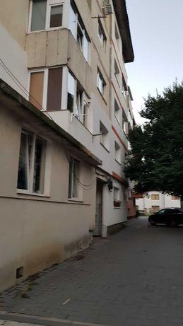 Apartament 62 m2 utilat mobilat