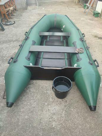 лодка BARK BT-310