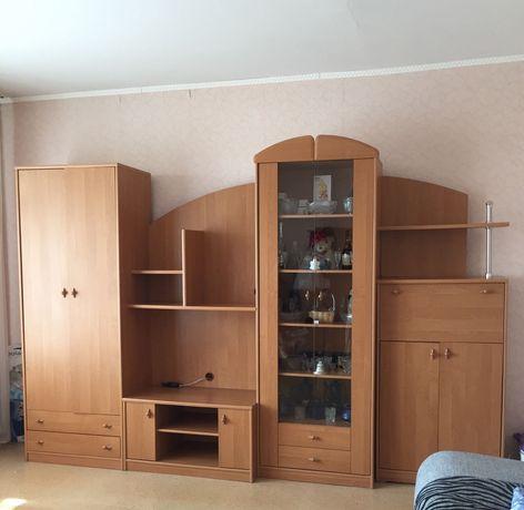 ГОРКА ( в зал) с плательным шкафом. Пр-во Польша.